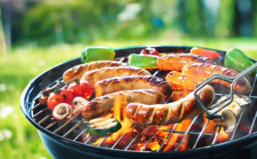 préparation sur le barbecue