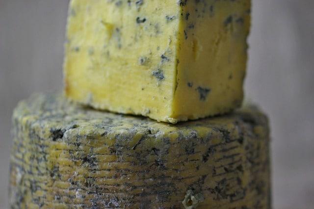morceau de fromage bleu